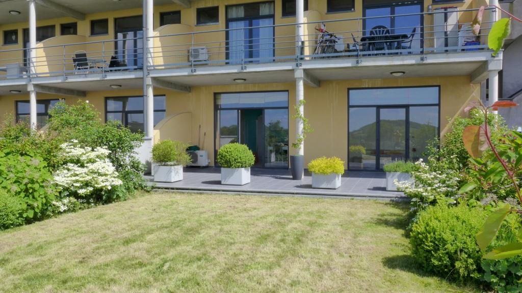 Splendide appartement de 90m², gde terrasse & jardin (Les Lacs de l ...